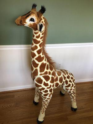 Giant stuffed animal Giraffe, Melissa & Doug brand, like new - $99.99 in stores for Sale in Rockville, MD