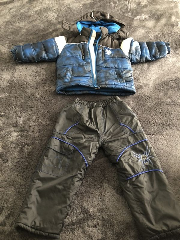 Tons of 3T boys clothes, winter and summer. 1$