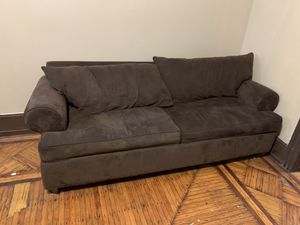 Very good condition couch that folds into a bed! for Sale in Philadelphia, PA