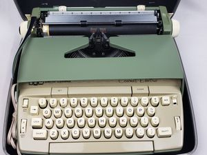 SMITH CORONA CORONET ELECTRIC TYPEWRITER EXCELLENT CONDITION. for Sale in Lake Shore, MD