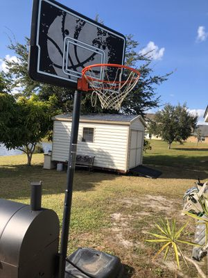 Adjustable Basketball Hoop for Sale in St. Cloud, FL