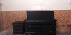 Black queen size bedroom set delivery available for Sale in Mableton, GA
