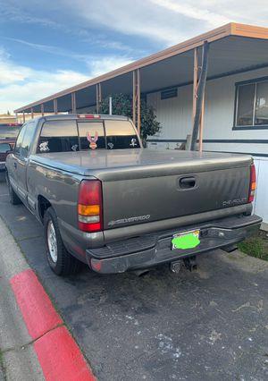 Chevy Silverado 2002 v8 for Sale in Modesto, CA