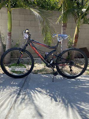 Brand new mens 26 inch hyper 18 speed mountain bike for Sale in La Puente, CA