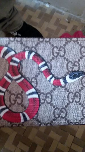 Gucci snake wallet for Sale in New York, NY