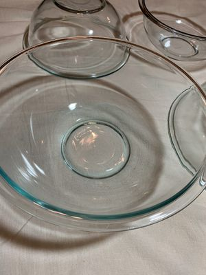4 Pyrex mixing bowls, microwave safe, like new, 4Qt and 2.5 Qt for Sale in Laguna Niguel, CA