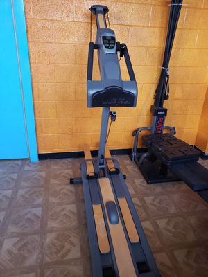 Nordictrack elliptical skier(trades welcome) for Sale in Detroit, MI