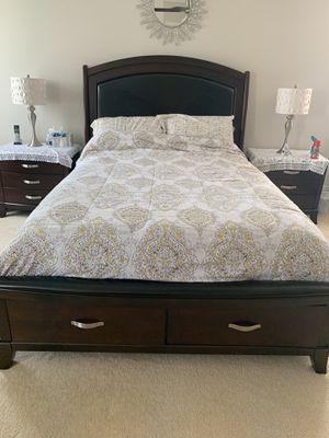 Queen bed frame for Sale in Aldie, VA