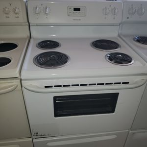Electric kitchen perfect condition for Sale in Hialeah, FL