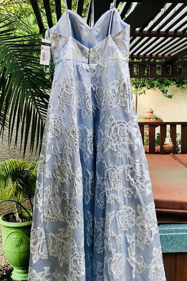 Dillard's Baby Blue & Crystal Bodice Strapless Prom Dress/Wedding Dress Size: 8
