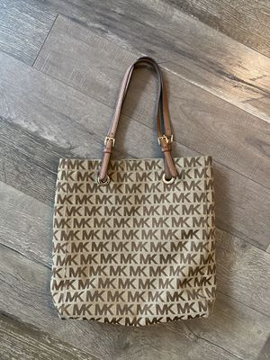 Michael Kors Large Tote bag for Sale in Lewisville, TX
