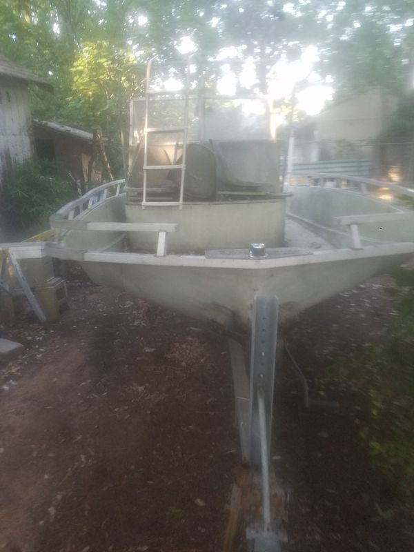 Boat!!! Quick sale! 1969 ski barge no leaks motor is good been sitting for ten years title and all paperwork