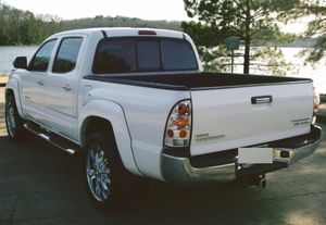 CLEAN TITLE AND BILL 2006 Toyota Tacoma LOADEDPOWER for Sale in Irving, TX