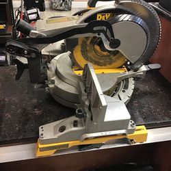 DEWALT METER SAW MODEL DW715 for Sale in Clermont,  FL