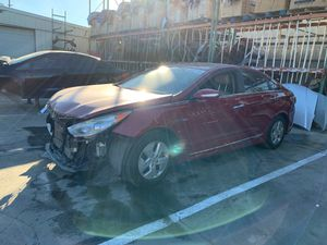 2011 sonata hybrid for parts only for Sale in Los Angeles, CA