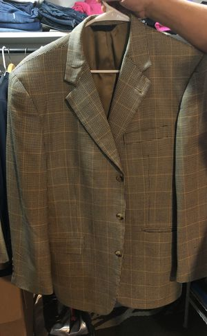 Burberry coat 41 regular for Sale in Denver, CO
