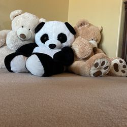 Giant Size 5ft Loveable TEDDY BEARS!!! Brand New...EXTRA CLEAN!!! for Sale in Vail,  AZ