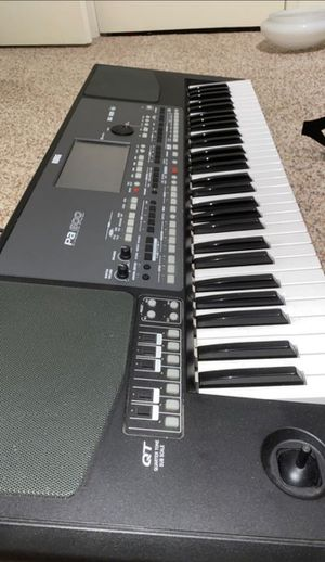 Keyboard PA 600 for Sale in South Gate, CA