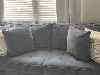Couch and chaise! for Sale in Nether Providence Township,  PA