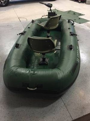 Inflatable electic motor boat with marine battery for Sale in Houston, TX