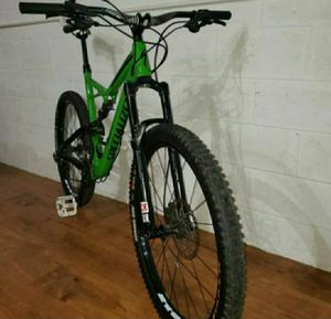 SPECIALIZED SIZE -XL 27.5 fsr for Sale in West Covina, CA