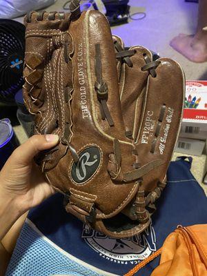 Softball glove for Sale in Watauga, TX