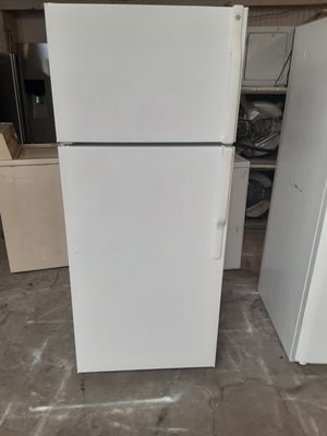 Refrigerator GE good condition 3 months warranty delivery and install for Sale in Oakland, CA