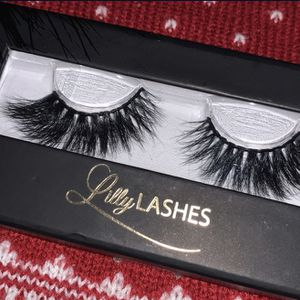 New Lilly lashes for Sale in San Bernardino, CA