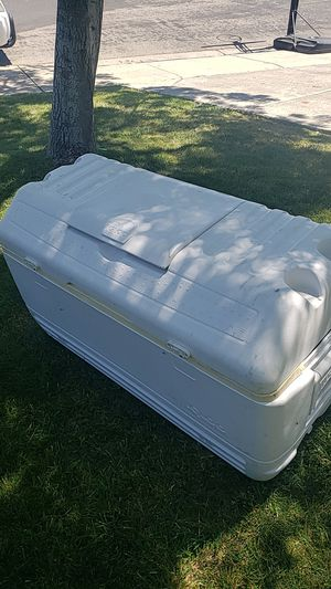 Igloo cooler FREE for Sale in Antioch, CA