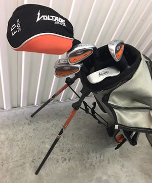 ACUITY VOLTAGE JUNIOR GOLF CLUB COMPLETE SET $50 for Sale in Riverview, FL