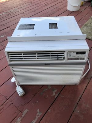 Window ac unit works great summers coming for Sale in Young, AZ