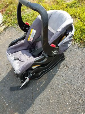 Car seat for Sale in East Hartford, CT
