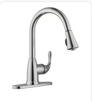 Glacier Bay Kitchen Sprayer Faucet for Sale in Hesperia, CA