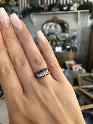 18K gold natural diamonds and sapphires ring for Sale in Clovis, CA