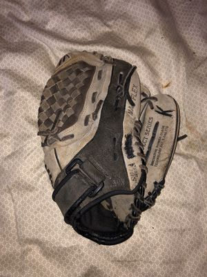 Kids baseball glove for Sale in La Verne, CA