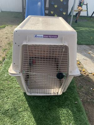 Extra large dog house in great condition asking 70 for Sale in Irwindale, CA