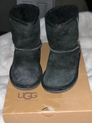 Toddler Uggs boots for Sale in Riverside, CA