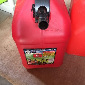 5 gallon gasoline can for Sale in Lancaster, PA