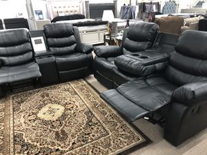 Reclining leather sofa and loveseat for Sale in Elgin, IL