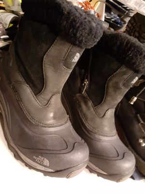 The North Face Womens Boots Size 7 for Sale in Denver, CO