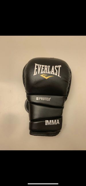 Boxing gloves mma Everlast for Sale in San Diego, CA