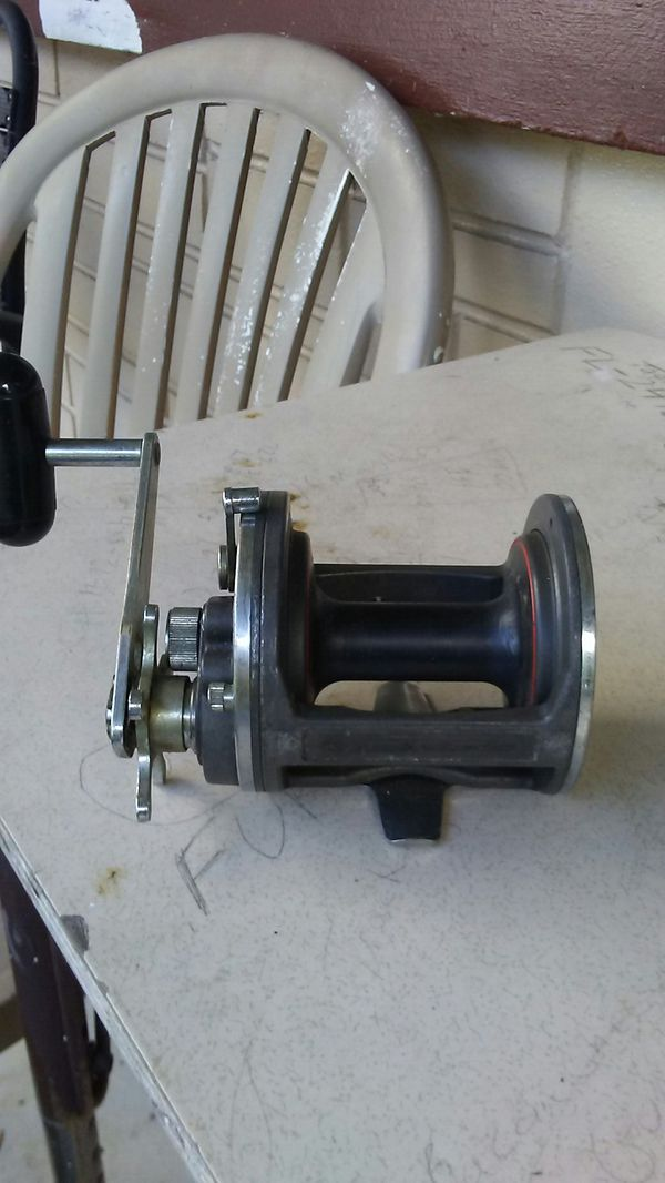 Deep sea reel. Good condition. Works great.