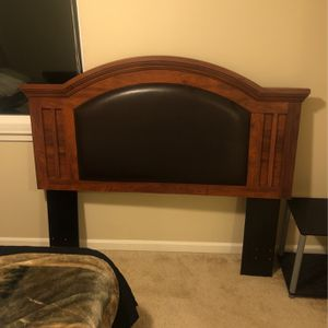 Queen Size Headboard Bed for Sale in Graham, WA