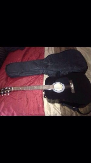 Fender acoustic guitar with case for Sale in Atlanta, GA