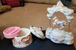.Vintage 1980s Musical horse carousel and jewelry box for Sale in Shepherd, MT