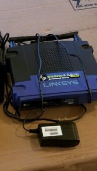 Linksys broadband router. 54Mbps, Wireless-G 2.4 GHz for Sale in West Linn, OR