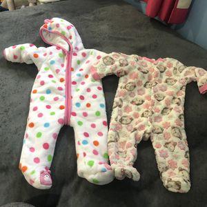 Baby girl 6m pjs , 3 teddy pjs and other 4 normals !!! for Sale in Woodbridge, VA
