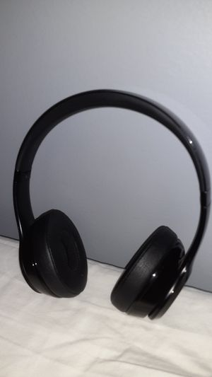 Beats Solo 3 wireless bluetooth headphones. I got another pair so i'm trying to sell these for Sale in Columbus, OH