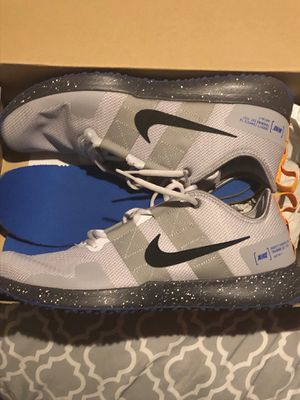 Nike varsity compete good training shoes for Sale in Atlanta, GA