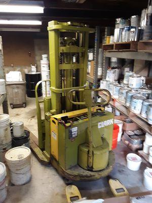 CLARK 3000lb Forklift SP30 -make me an offer for Sale in Bel Air, MD